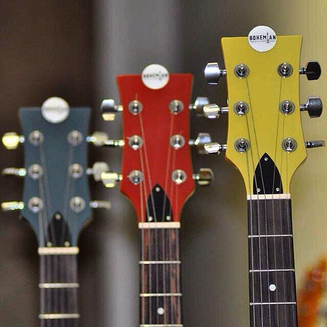 Bohemian guitars - Moonshine, Motor oil et Surf wax têtes