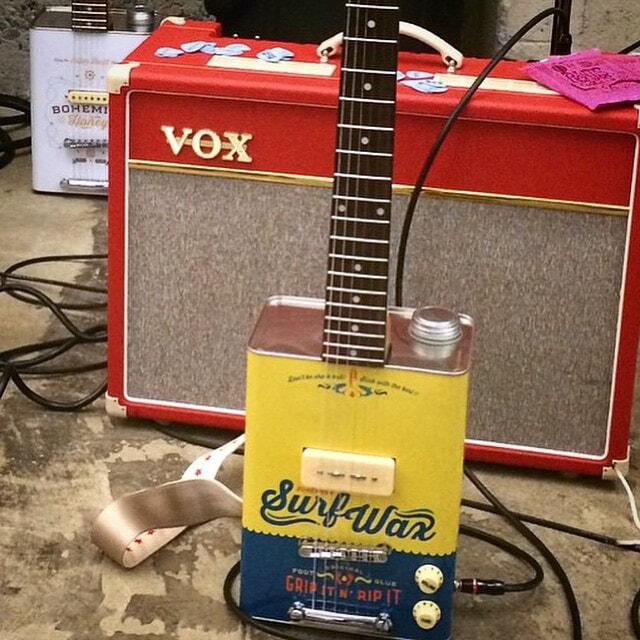 Bohemian guitars - Surf wax et ampli Vox