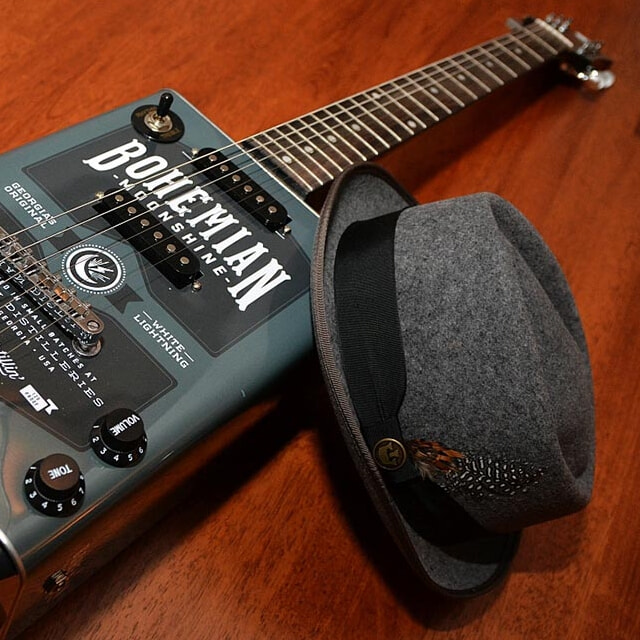 Bohemian guitars - Moonshine chapeau